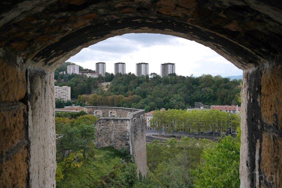 Immeubles de Vaise vus du fort St-Jean