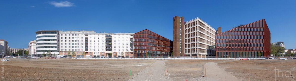 Assemblage classique de trois images pour la réalisation d'un panoramique d'architecture