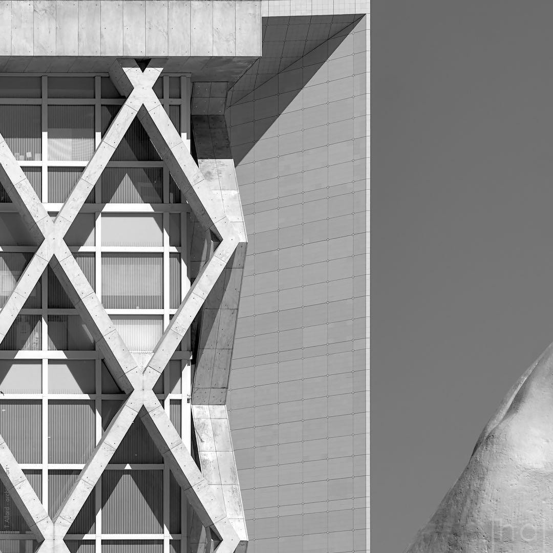 Enchevêtrement d'architectures à Paris La Défense