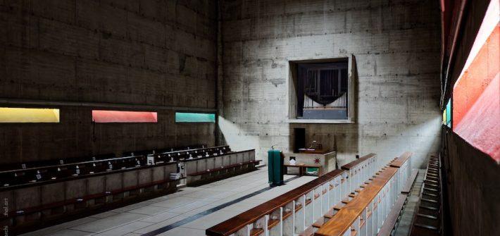 Intérieur de l'église du couvent de la Tourette